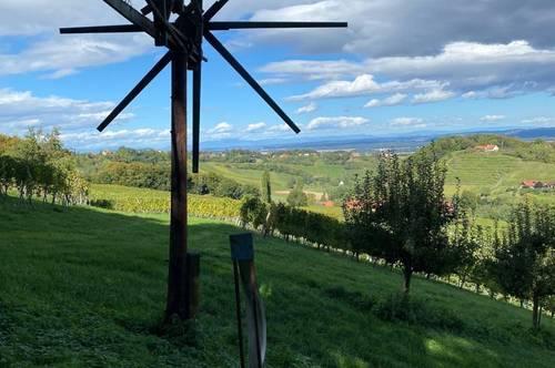 ## Steirische Toskana...Topgeführter Betrieb in einzigartiger Panoramalage ..mit Erweiterungspotential !