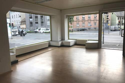 114 m² Geschäftslokal Nähe City Park