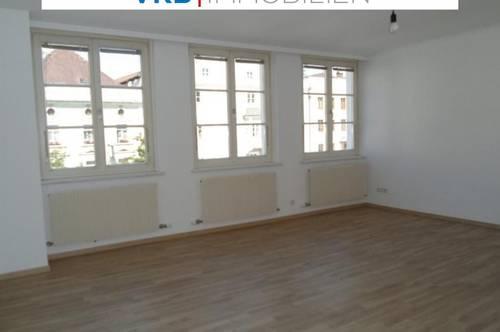 Geräumige Mietwohnung in Braunau am Stadtplatz - auch als Büro nutzbar