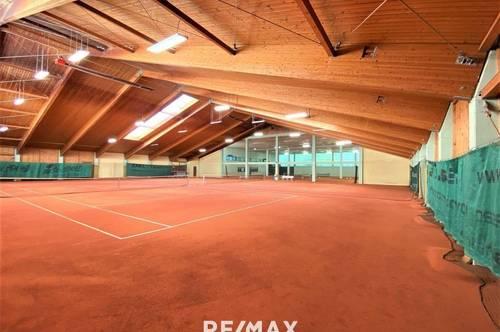 4-Platz-Tennishalle mit Gastronomie und Wellness!