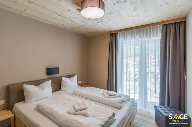 Schlafzimmer &Terrasse