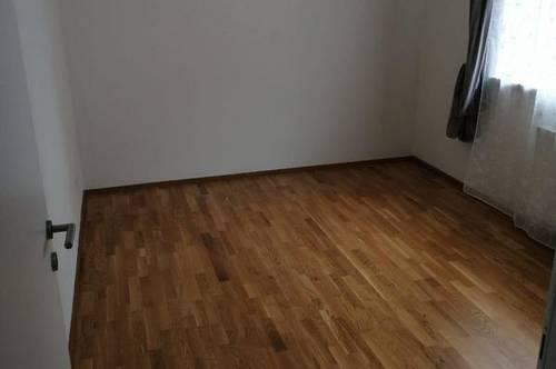 Mietwohnung mit ca. 87,83 m² und modern möblierter Küche