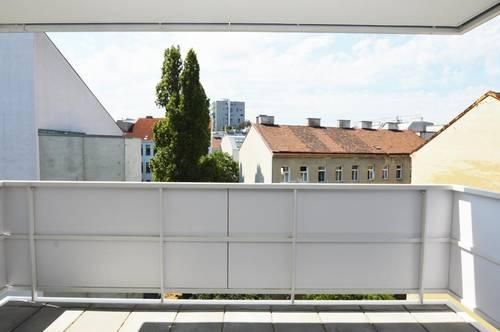 Helle Zwei-Zimmer-Wohnung mit Balkon