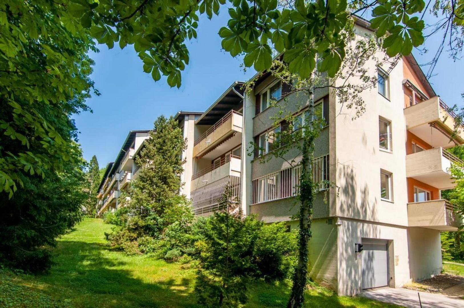 Topsanierte 5 Zimmerwohnung mit Tiefgaragenplatz - tolle Anlagewohnung!