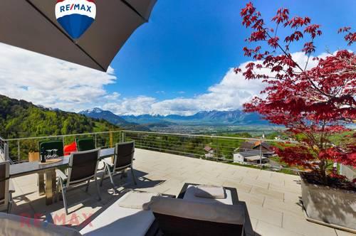 (Ferien-) Wohnsitz mit atemberaubender Bergsicht: Großzügige, neuwertige Wohnung mit vielen Extras