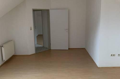 Schöne 3 Zimmer DG-Wohnung in Loipersdorf