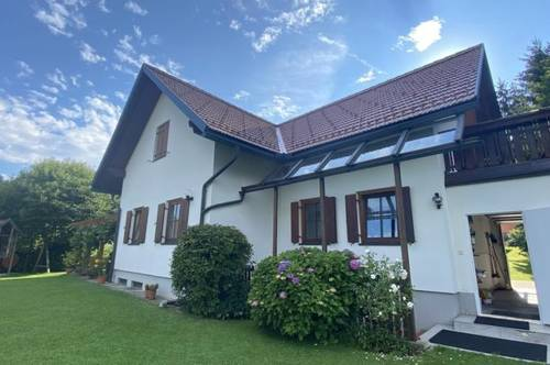 Gepflegtes Ein-Zweifamilienhaus in ruhiger Siedlungslage in Wies
