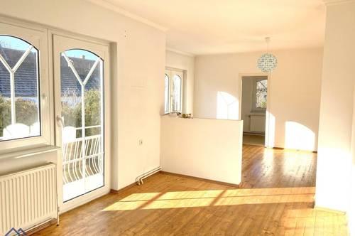 !!Einfamilienhaus mit Balkon, einem Garten und angeschlossenen Wirschafts-Gebäuden!!