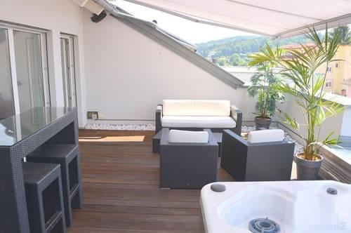 Penthouse Exklusiv ca. 108 m², ca.36 m² Dachterrasse mit Jacuzzi, Carport, 82m² Garten, Lift, nur Anleger