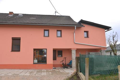 Stallhofen nahe Mooskirchen, renovierungsbedürftiges Einfamilienhaus inkl. Nebengebäude mit Einlegerwohnung , Grund mit ca. 1013 m². Ruhige Lage!