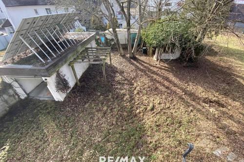 Grundstück mit Altbestand/Doppelhaus!