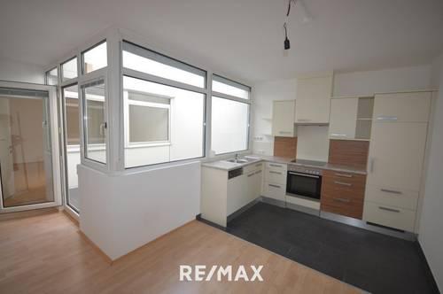 Moderne, renovierte 2-Zimmer-Mietwohnung mit Küche im Zentrum von Vöcklabruck!
