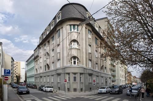 Schillerstraße 27/7 - Helle Wohnung im Dachgeschoss - mit Blick auf die Herz-Jesu-Kirche