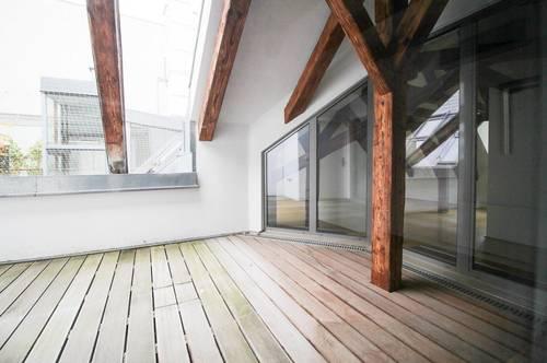 DG Wohnung mt Holztramdecke zur unbefristeten Miete