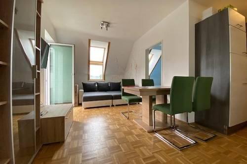 Kompakte 2-Zimmer-Dachgeschosswohnung mit Balkon & TG-Platz - verfügbar ab Dezember 2021!