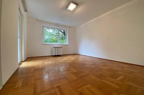 Schöne & ruhige 2-Zimmer-Wohnung mit Balkon