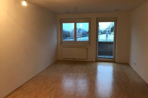 Geräumige 3-Zimmer-Wohnung mit Balkon & TG-Platz
