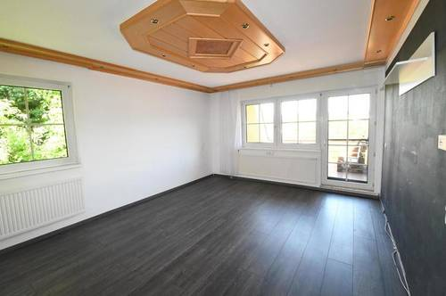Tolle 3 Zimmer DG-Eigentumswohnung mit Balkon und Autostellplatz