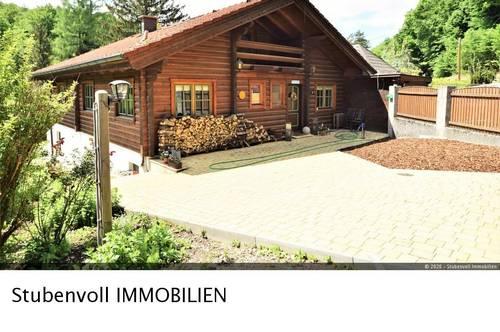 Stadtnah wohnen- Naturnah leben! Exklusive Blockhausvilla, 253m² Wfl, 1700m² Eigengrund - Absolute Grünruhelage!