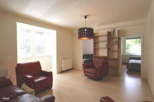 Perfekte Familienwohnung mit verglaster Loggia und Grünblick nahe Trabrennbahn