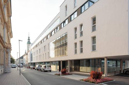 VITANEUM - LEBEN AM MARKT ! ! ! Provisionsfrei - direkt vom Bauträger ! ! !   Großzügige Terrassenwohnung am Benediktinermarkt mit Blick über die Dächer