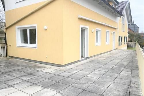 Seekirchen: 70m2-Südwestterrasse- 1 Parkplatz - zentral!
