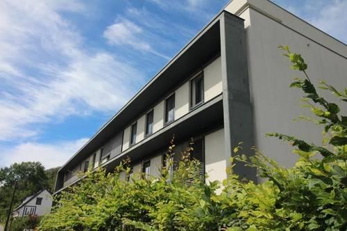 Exklusives Büro mit Terrasse in Designerhaus