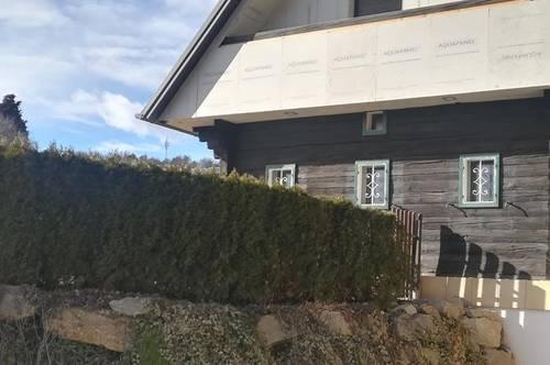 Naturnahe 3ZI DG saniert im idyllischen Landhaus  Balkon+Terrasse Carport
