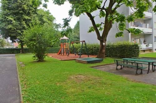 Zentrale Stadtlage modern sanierte 3ZI+Balkon Carport, Allg.Garten Spielplatz