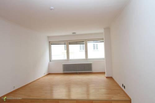 Extravagante Loft-Wohnung mit Atelier / Hobbyraum