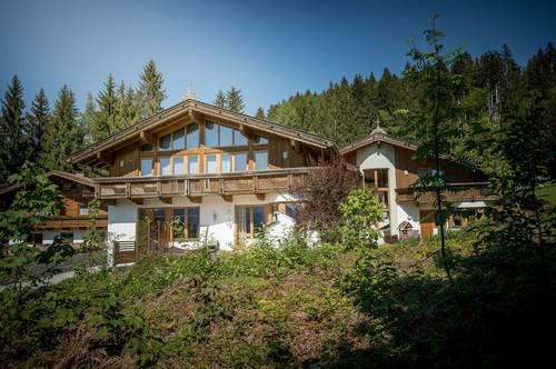 Tolle Liegenschaft mit zwei Einfamilienhäusern im Landhausstil in bester Aussichtslage