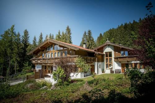 Mehrfamilienhaus im Landhausstil in toller Aussichtslage von Niederau