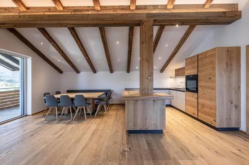 Luxus Dachgeschosswohnung mit Kaiserblick