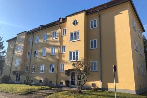 Top 2-Raum Wohnung mit Balkon und Ausblick ins Grüne