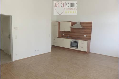 NEU: Kleine barrierefreie Wohnung im Zentrum, ab Okt. <br />1 SZ, Wohnz. mit möbl.Küche, Parkpl, Balkon