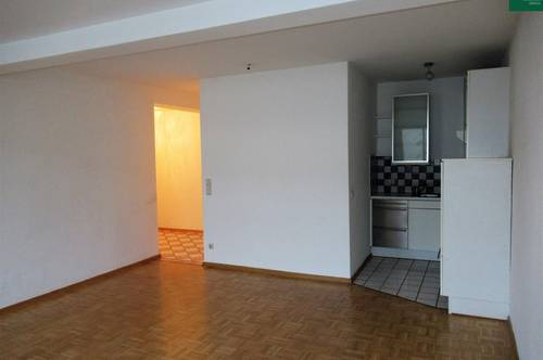 Geräumige Single-Wohnung zwischen Infineon und Altstadt