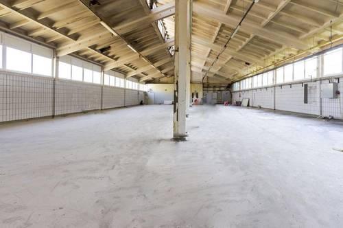 Barrierefrei zugängliche Lagerhalle mit Büromöglichkeit