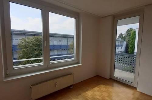 Gut geeignete Pärchenwohnung mit südseitigem Balkon