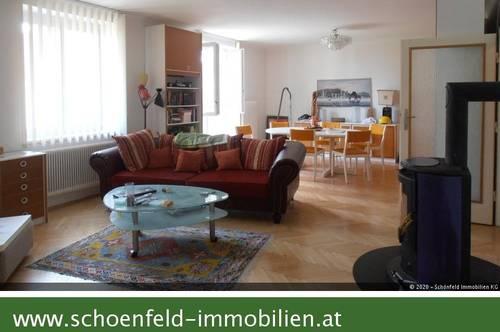 Wer viel Platz und schönen Ausblick liebt: Wohnsalon mit Romantikflair und Fernblick?