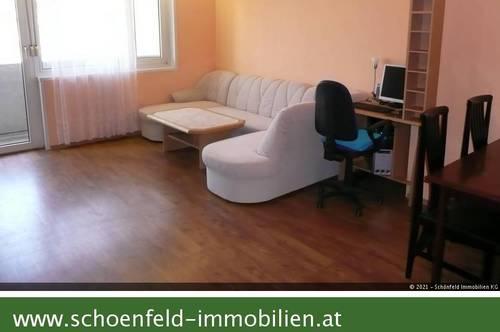 Geräumige Zweizimmerwohnung mit Loggia und Fernblick
