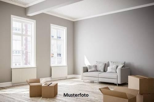 4-Zimmer-Maisonettewohnung mit Garagen