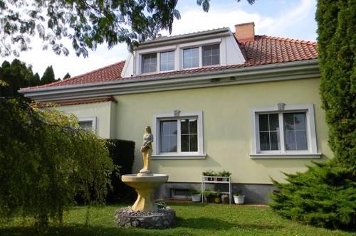 Großes Wohnhaus - Erlebnisgarten u. Feld - Nähe Therme Lutzmannsburg
