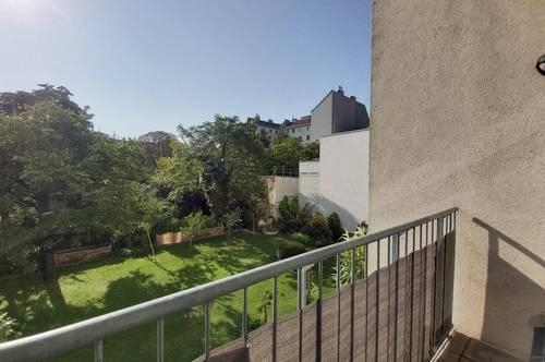 Unbefristete Vermietung - Sanierte Altbauwohnung mit südseitiger Loggia und 2 Zimmern beim Enkplatz