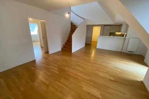 Dachgeschoss Maisonette mit 3 Zimmer u. Galerie sowie ein Balkon, Nähe Wilhelminenstraße