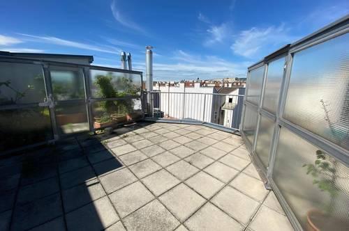 Dachgeschosswohnung mit großer Terrasse, Nähe Kreuzgasse