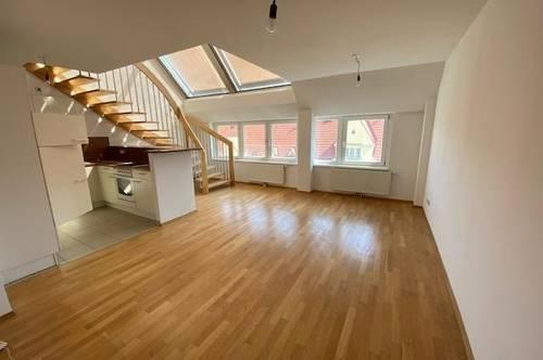 Dachgeschoss-Maisonette mit 3 Zimmern und Terrasse - Nähe S45 Hernals