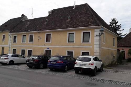 Zentrumslage mit Innenhof im Dornröschenschlaf!