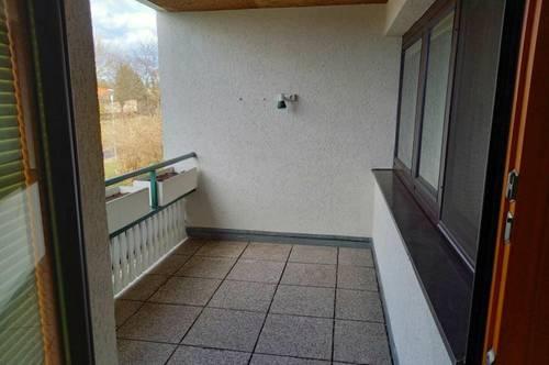Tolle 4-Zimmer-Wohnung mit Loggia!