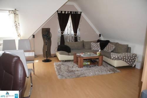 Hübsche zwei Zimmer Wohnung !