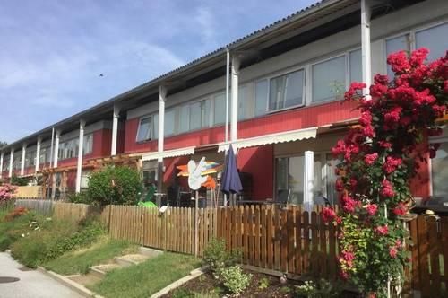 Gut geschnittene Wohnung mit Balkon und PKW-Abstellplatz